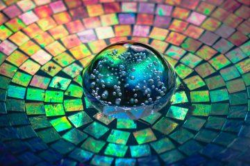 Steve Johnson_crystal-glass-on-a-colorful-background-2179374